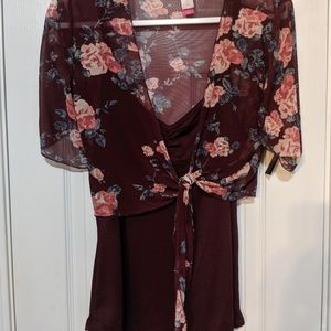 Wine color with floral print short sleeve top, NWT